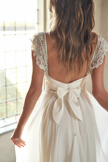 OPNE BACK WEDDING GOWN
